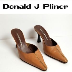 Donald J Pliner Pointed Toe Shoes  - Size 7